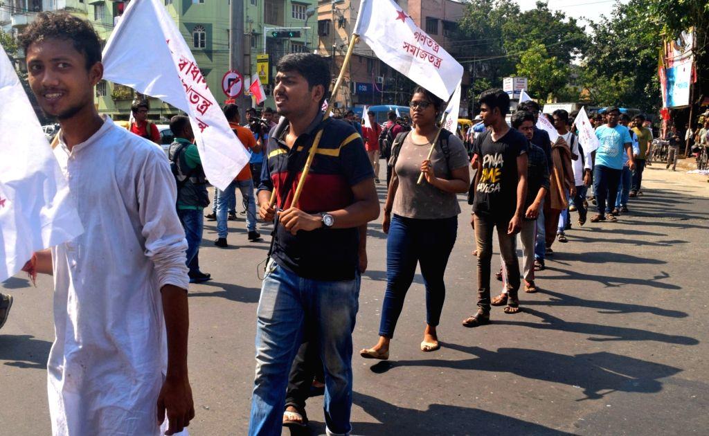 Students Federation of India (SFI) activists stage a demonstration against assault on Union Minister Babul Supriyo at Jadavpur University, in Kolkata on Sep 20, 2019. - Babul Supriyo