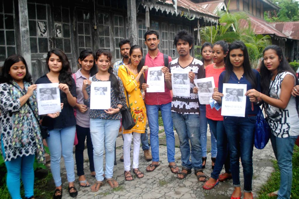 Students of Cotton College urge people to vote for Nahid Afrin - who hails from Assam and is participating in Indian Idol Junior;  in Guwahati, on Aug 18, 2015.
