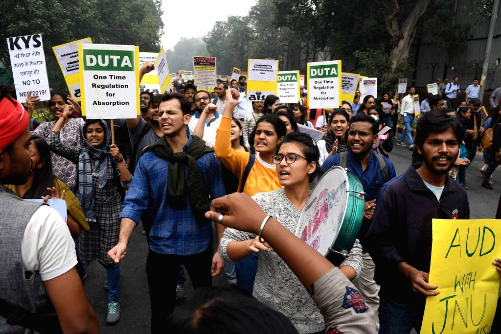 Students of Jawaharlal Nehru University (JNU) stage a demonstration against the alleged partial rollback in hostel fee hike, in New Delhi on Nov 14, 2019.