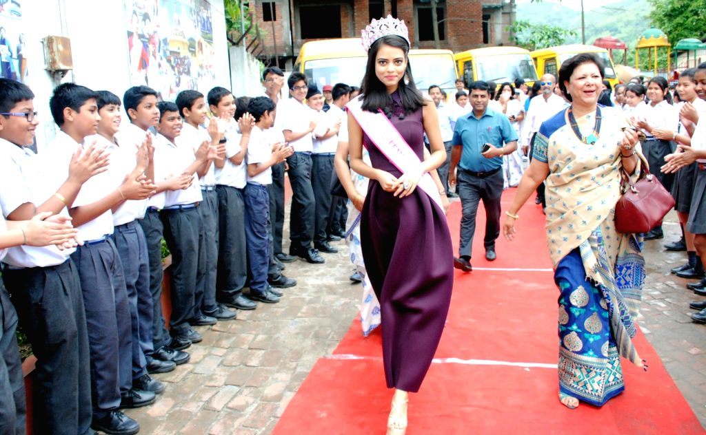 Students of Maria Public School welcome to FBB Femina Miss India 2016 Priyadarshini Chatterjee during her visit to her alma mater in Guwahati, on April 19, 2016. - Priyadarshini Chatterjee