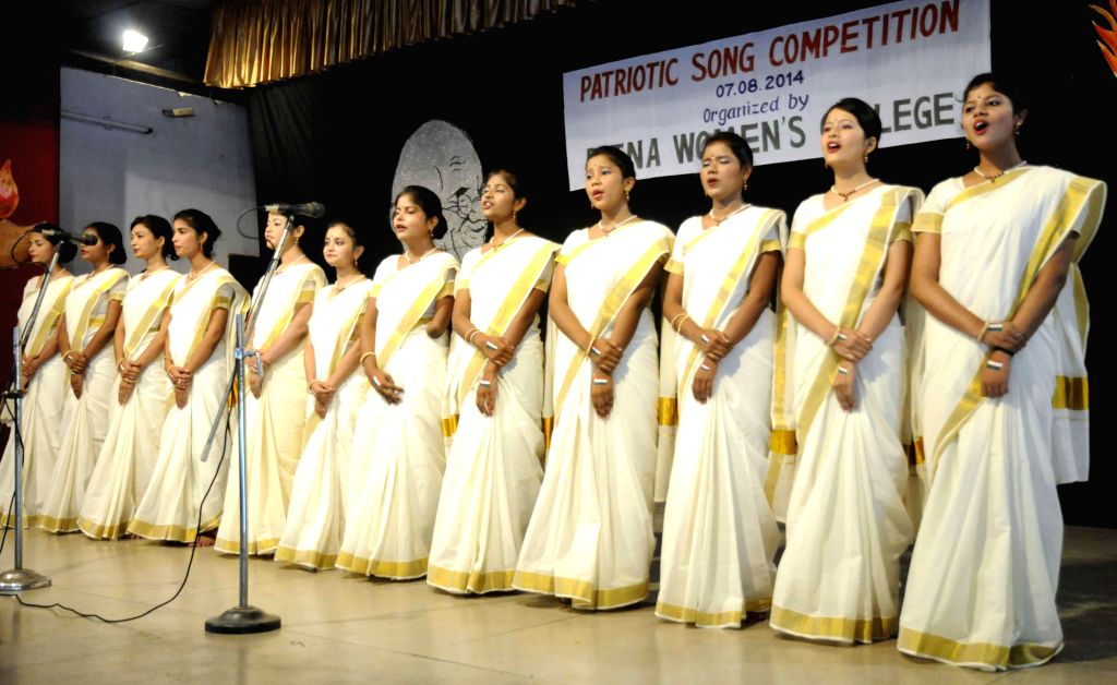 Students  participate in a `Patriotic Song Competition` organised at Patna Women's College, Patna on Aug 7, 2014.