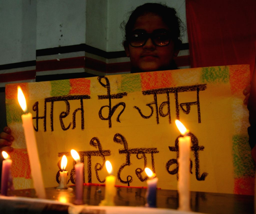 Students pay tribute to the soldiers killed in Uri terrorist attack in Kashmir, in Amritsar on Sept 19, 2016.