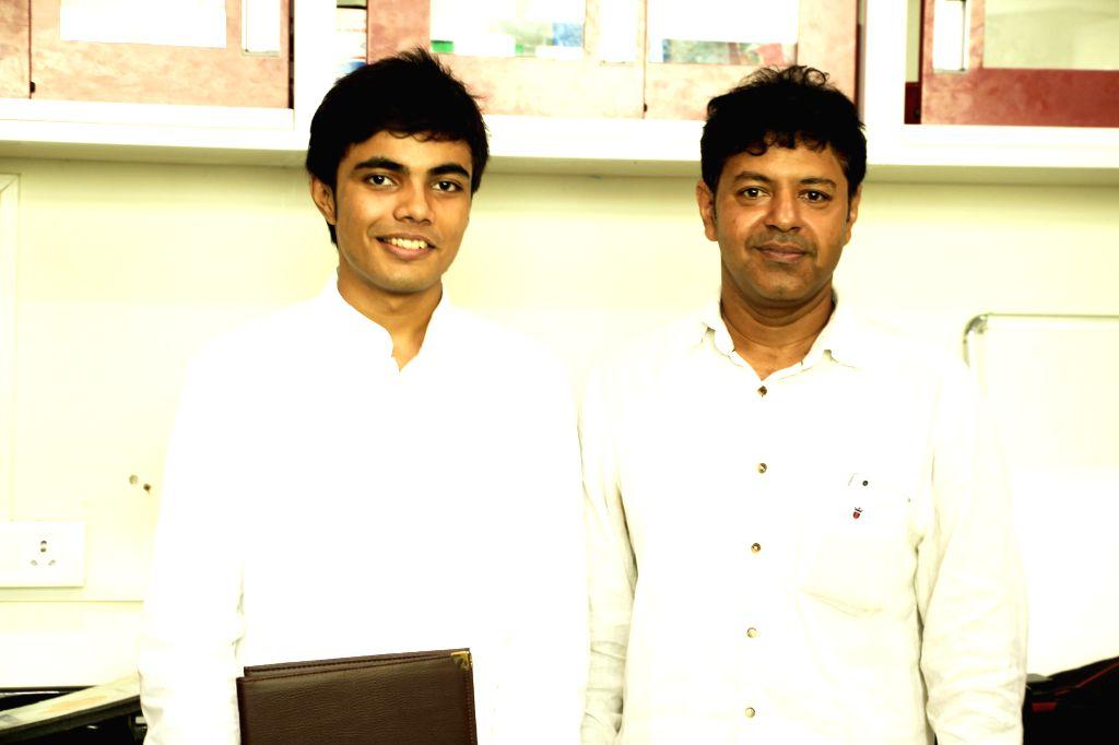 Subhajit Bandyopadhyay and Balraj B. Rathod of IISER Kolkata. (Photo: IISER Kolkata)