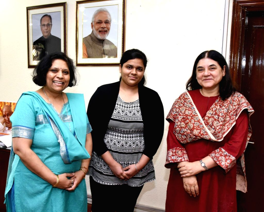 Sukriti Gupta, a Delhi student who topped in all India CBSE class XII exam, meets the Union Minister for Women and Child Development Maneka Gandhi, in New Delhi on May 23, 2016. - Sukriti Gupta and Development Maneka Gandhi
