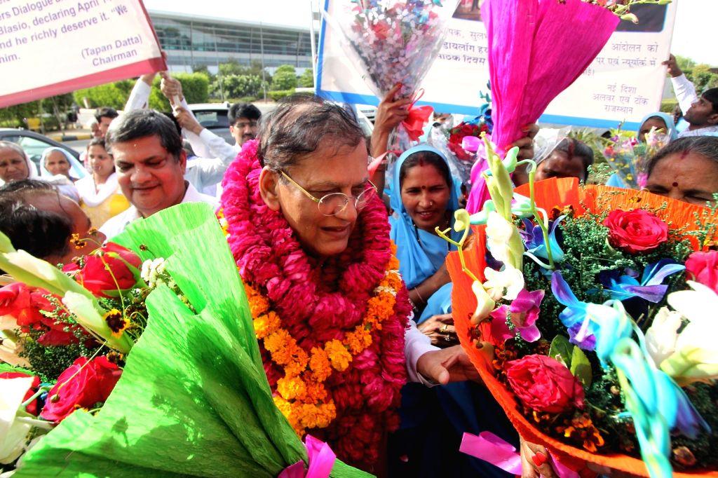 "Sulabh International founder Bindeshwar Pathak who received 2016 New York Global Leaders Dialogue ""Humanitarian Award'' arrives at  Indira Gandhi International Airport in New Delhi, ... - Bindeshwar Pathak"