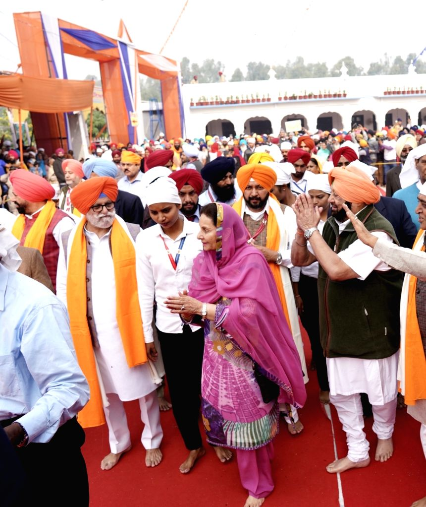 Sultanpur Lodhi: Punjab Chief Minister Captain Amarinder Singh pays obeisance at Gurdwara Sri Ber Sahib during the 550th birth anniversary celebrations of Guru Nanak Dev in Sultanpur Lodhi, Punjab on ... - Captain Amarinder Singh and Nanak Dev