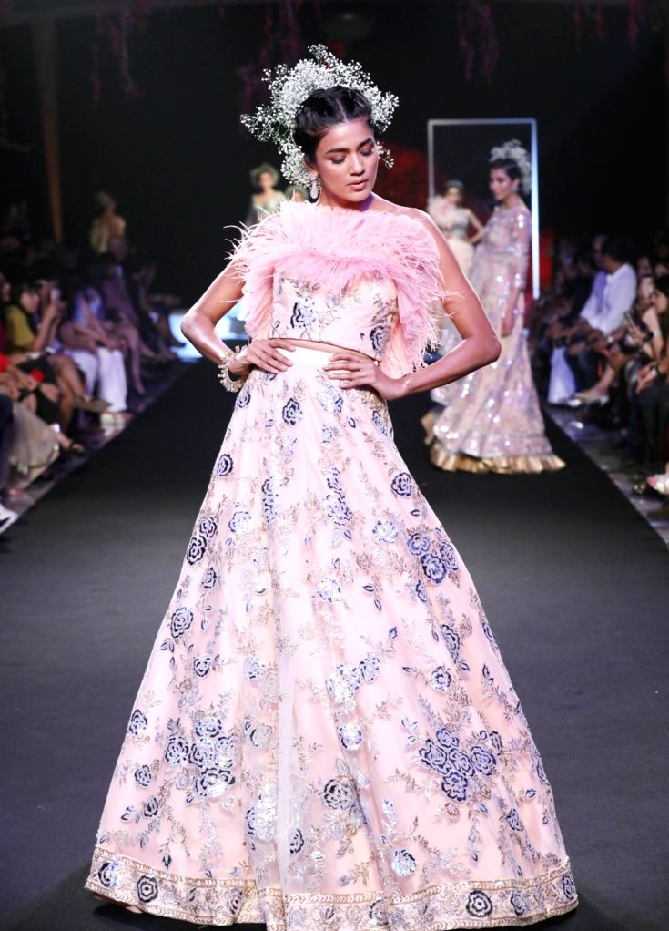 Suneet Varma Showcasing the collection @ FDCI India Couture Week 2019