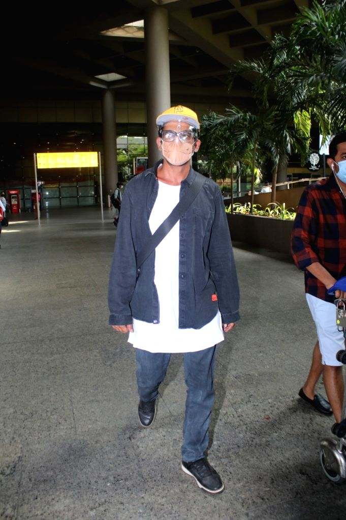 Sunil Grover Spotted At Airport Arrival on 28 April,2021.
