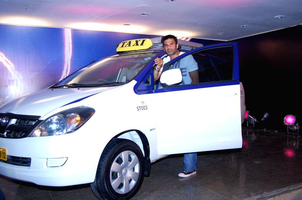 Sunil Shetty launches Mumbai Taxi Company's Star Taxi.