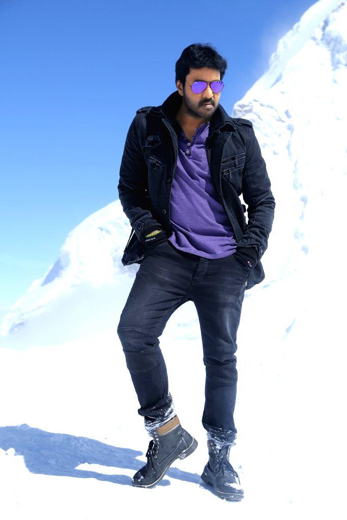 Sunil - Vasu Varma - Dil Raju's Krishnashtami First Look Released.