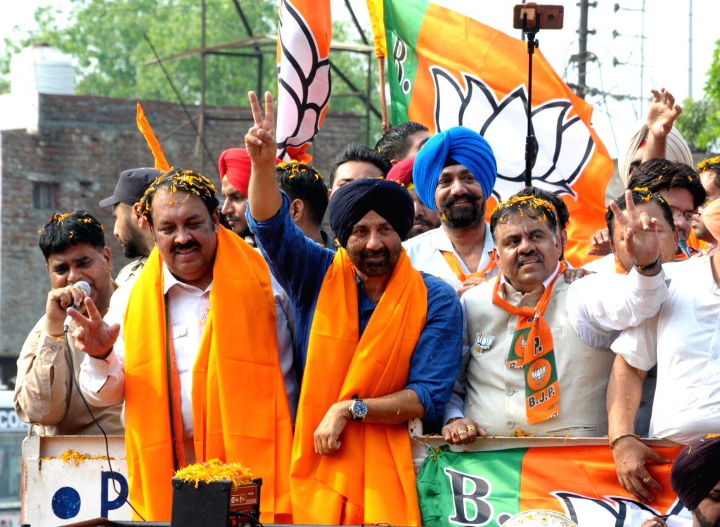 Sunny Deol campaigns for BJP candidate in Haryana. (Photo: IANS)