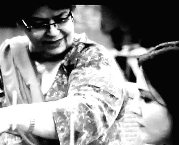 Sunny Leone recalls 'brief encounter' with Saroj Khan teaching her folk dance. - Sunny Leone and Saroj Khan