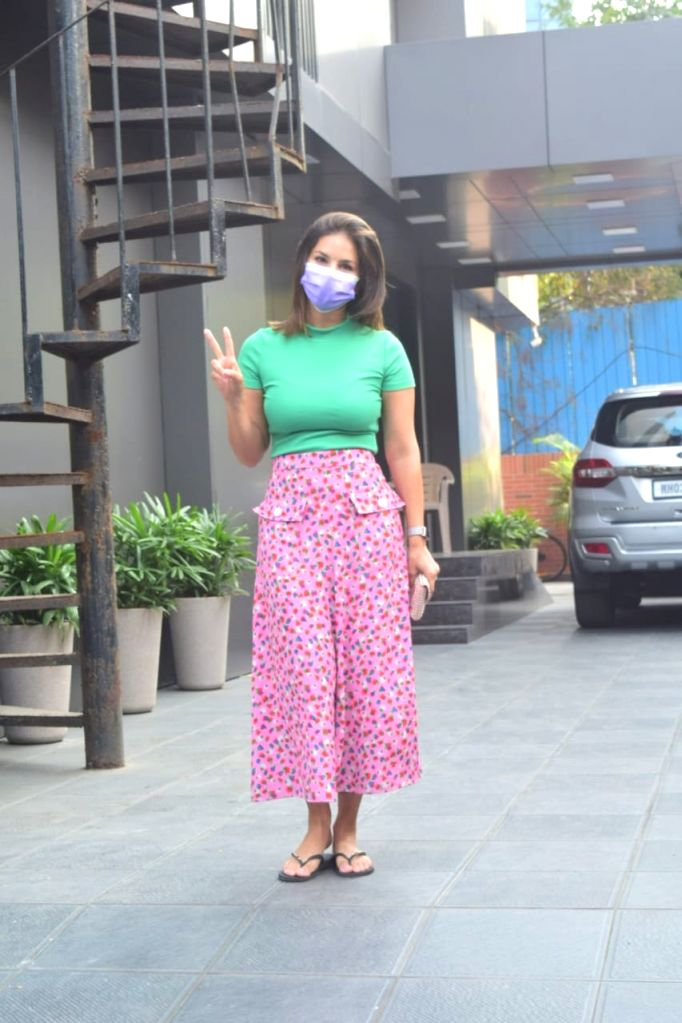 Sunny Leone's Spotted in Juhu on Thursday 26nd February 2021.