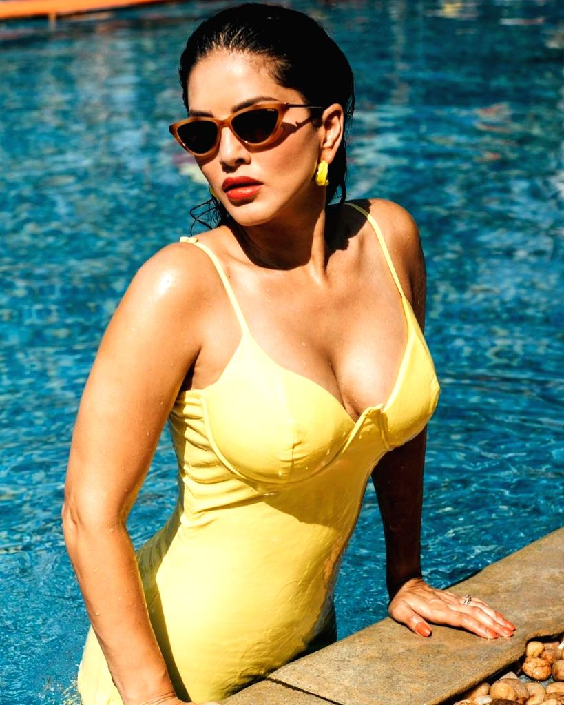 Sunny Leone unleashes 'Monday distraction' from the pool (credit: Instagram) - Sunny Leone