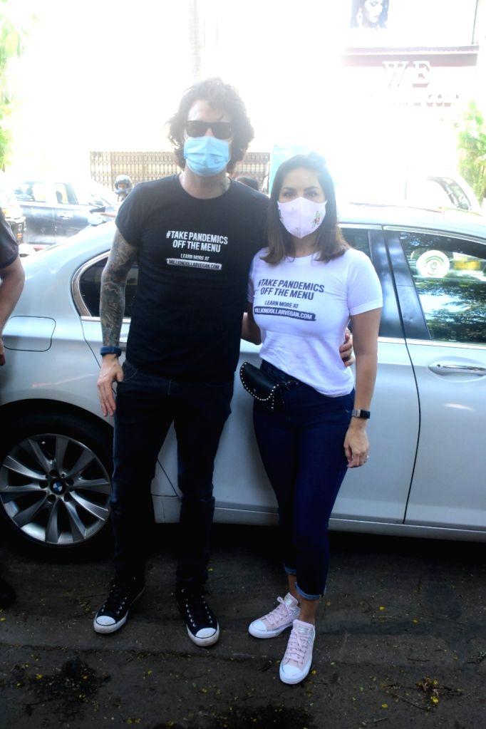 Sunny Leone with husband Daniel Weber spotted at Bandra On Sunday, 06 June, 2021. - Sunny Leone