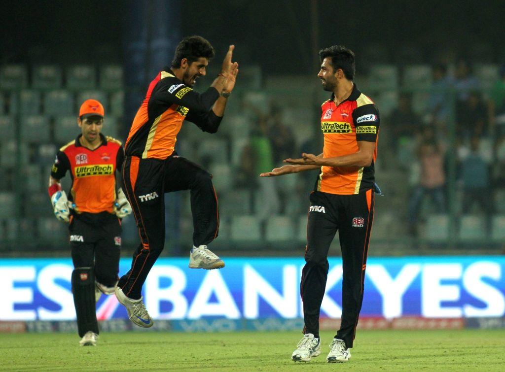 Sunrisers Hyderabad celebrate fall of a wicket during the  IPL 2016 Eliminator match between Sunrisers Hyderabad and Kolkata Knight Riders at Feroz Shah Kotla stadium in New Delhi, on May ... - Feroz Shah Kotla
