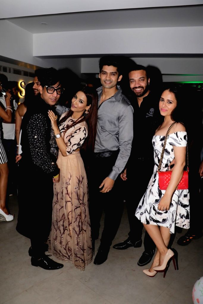 Super hot Celebs at white theme birthday party of model Rehan Shah in Mumbai on Jan 19, 2016.