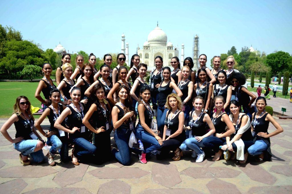 Supermodels from 34 countries visit the Taj Mahal in Agra on April 19, 2017.