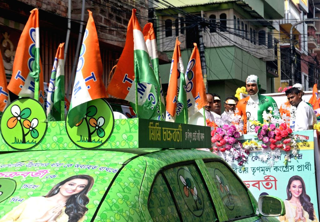 Supporters during actress-turned-politician, TMC candidate from Jadavpur, Mimi Chakraborty's road show, in Kolkata, on May 5, 2019. - Mimi Chakraborty