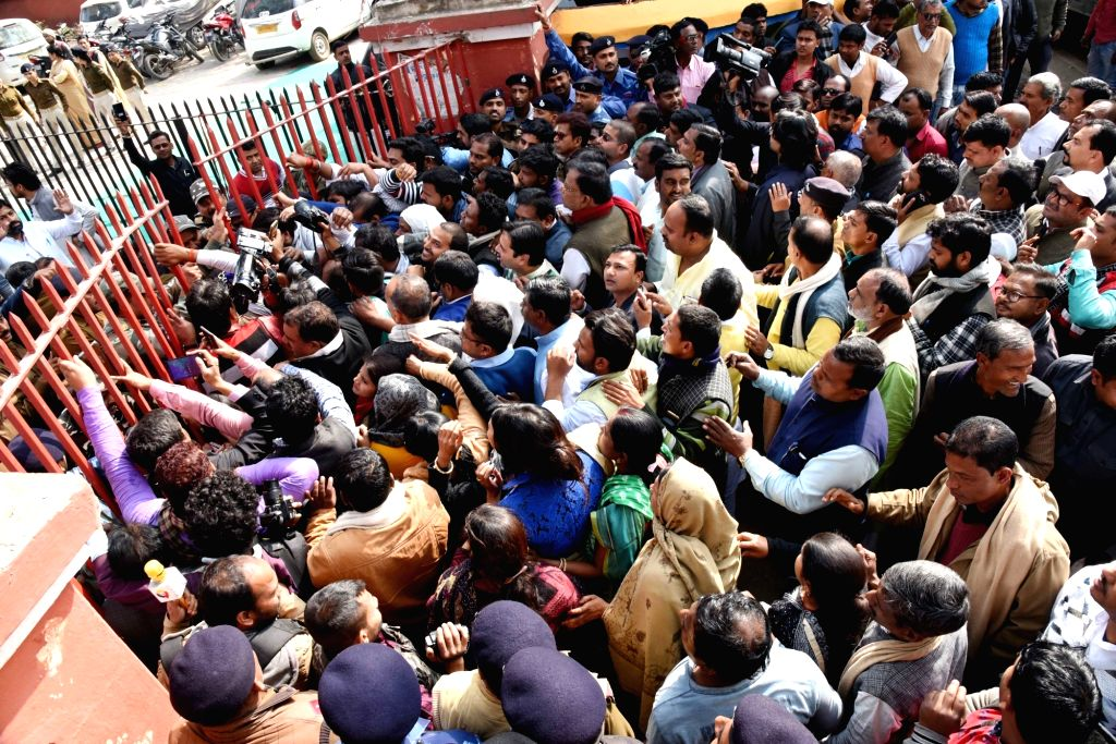 Supporters of Rashtriya Lok Samata Party (RLSP) chief Upendra Kushwaha throng Kotwali police station against the police lathicharge on 2nd Feb during a protest; in Patna, on Feb 9, 2019.
