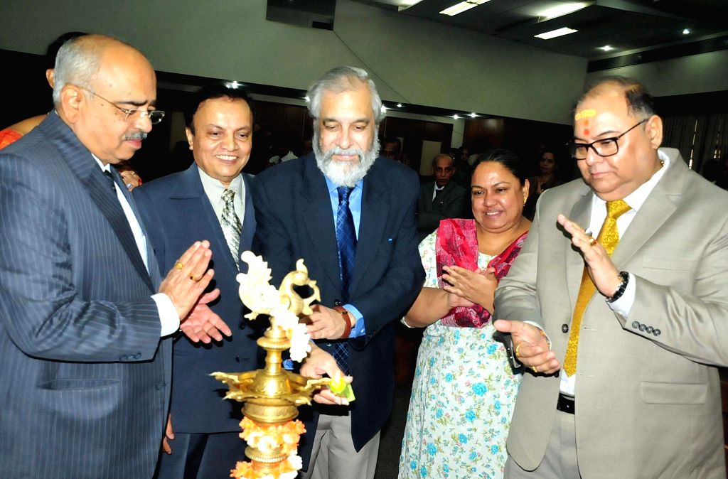 Supreme Court Judge Justice Madan B Lokur, High Court Chief Justice Justice Subhro Kamal Mukherjee and KSLSA Executive Chairman Justice Jayant Patel during the inauguration of orientation ... - Subhro Kamal Mukherjee and Jayant Patel