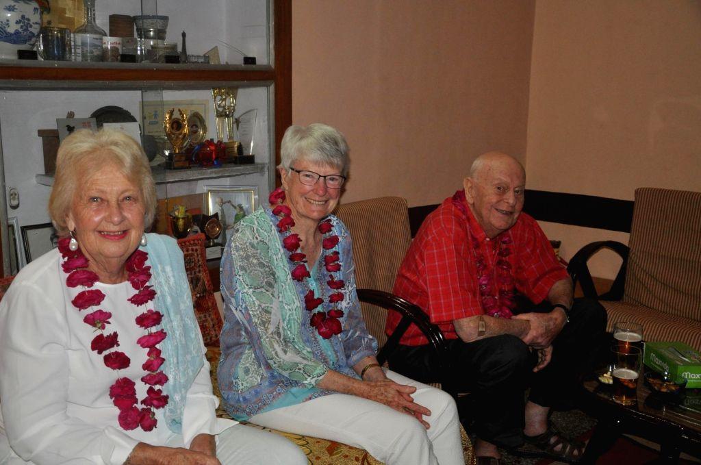 Susan, Jeniffer and Peter in Jaipur.