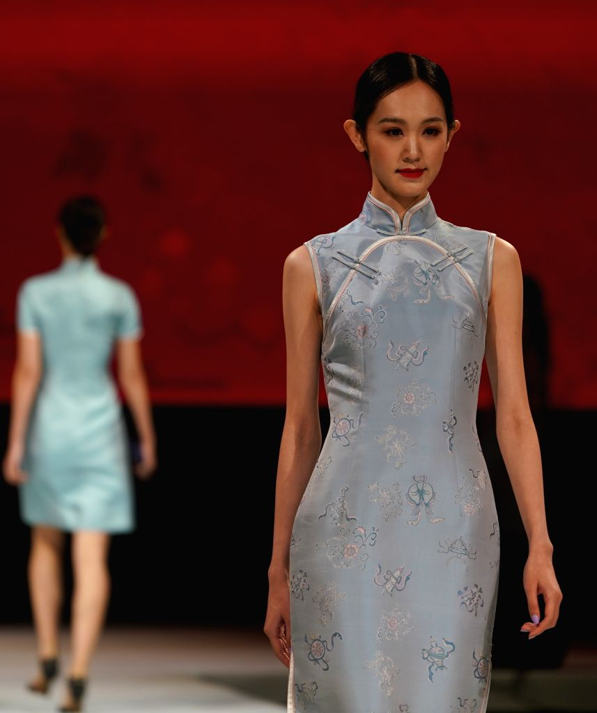 Wedding Gown Fashion Show: CHINA-JIANGSU-WEDDING DRESS-FASHION SHOW