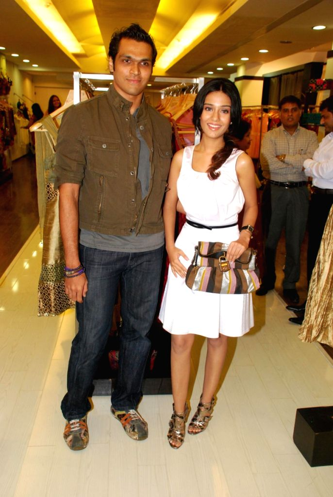 Swapnil Shinde and Amrita Rao at Amara Store. - Amrita Rao