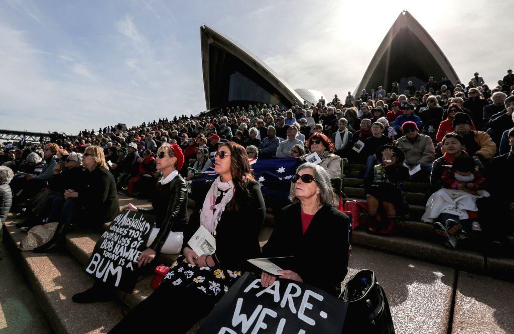 SYDNEY, June 14, 2019 - People mourn former Australian Prime Minister Bob Hawke outside the Sydney Opera House in Sydney, Australia, June 14, 2019. Former Australian Prime Minister Bob Hawke has been ... - Bob Hawke