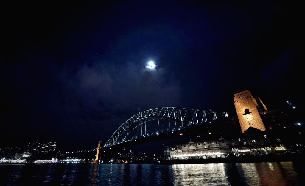 SYDNEY, Oct. 4, 2017 - Photo taken on Oct. 4, 2017 shows the scenery during the Mid-Autumn Festival in Sydney, Australia.