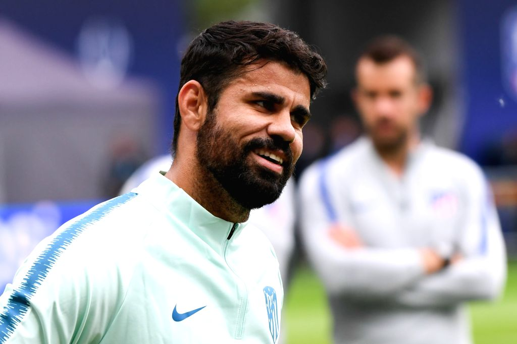 TALLINN, Aug. 15, 2018 (Xinhua) -- Diego Costa of Atletico Madrid attends a training session at the Lillekula Stadium in Tallinn, Estonia, Aug. 14, 2018. The UEFA Super Cup match between Real Madrid and Atletico Madrid will be held here on Aug. 15. (