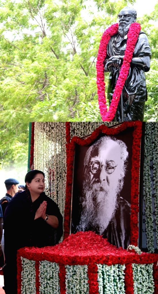 Tamil Nadu Chief Minister J Jayalalithaa pays tribute to Thanthai Periyar in Chennai, on May 20, 2016. - J Jayalalithaa