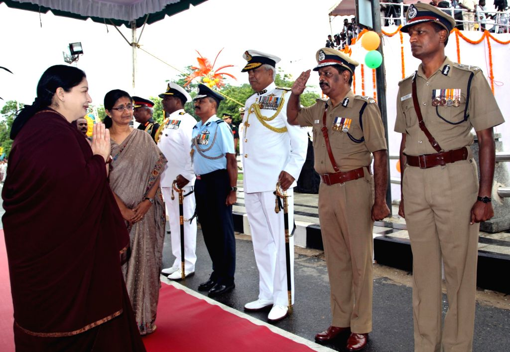 Tamil Nadu Chief Secretary Sheila Balakrishnan introducing Lt Gen V K Pillai, General Officer, Commanding, Commodore Amar K Mahadevan, Naval-officer- in-charge, Air Commodore S Prabhakaran, IG S P ... - S P Sharma