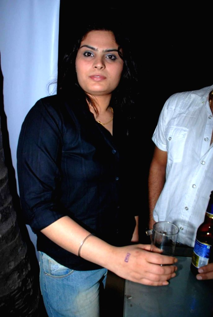 Tanya Abrol at Kohinoor International bash hosted by Sinful entertainment at Vie Lounge.