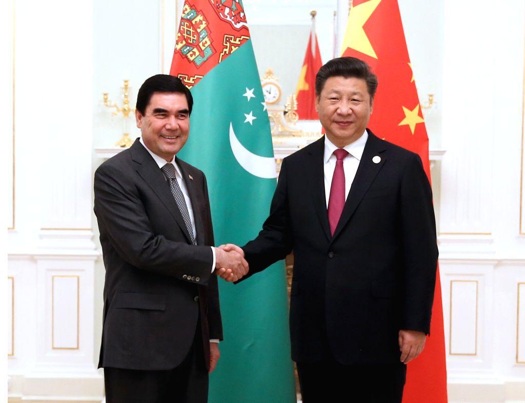 TASHKENT, June 23, 2016 - Chinese President Xi Jinping (R) meets with Turkmen President Gurbanguly Berdymukhamedov in Tashkent, Uzbekistan, June 23, 2016. (mcg/zkr)