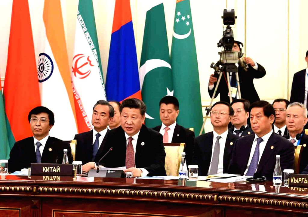 TASHKENT, June 24, 2016 - Chinese President Xi Jinping (C front) attends the 16th Shanghai Cooperation Organization (SCO) Council of Heads of State meeting in Tashkent, Uzbekistan, June 24, 2016.