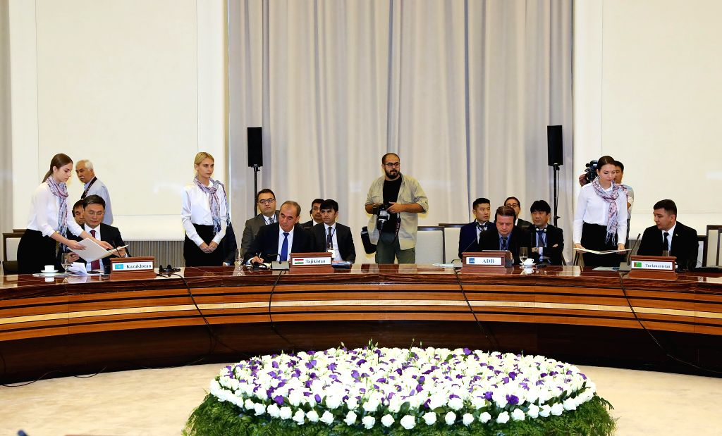 TASHKENT, Sept. 21, 2019 - Participants representing nine countries from the Central Asia Regional Economic Cooperation (CAREC) Program sign a declaration during the CAREC Energy Ministers' Dialogue ...