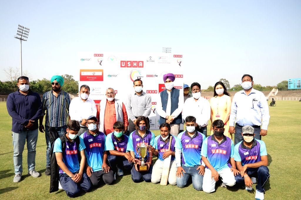 Teams 'Wheelers XI, Silent Heroes and Visions' lifts 6th Usha Divyang Cricket League 2021 Trophy