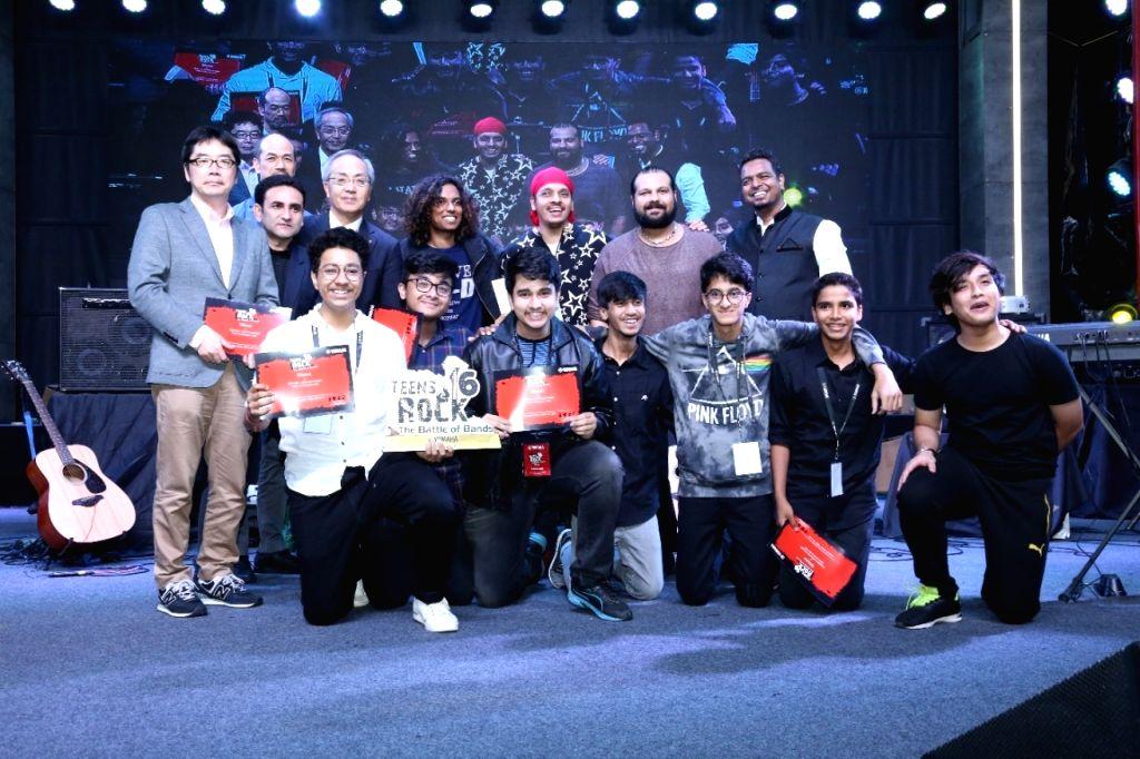 Teens Rock 6 winners with the Jury and Yamaha team.