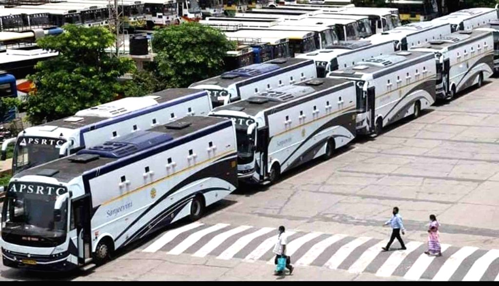 Telangana, Andhra at loggerheads over resumption of bus services
