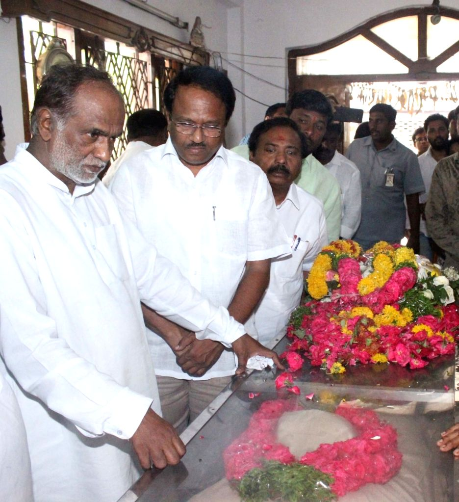 Telangana BJP president K Lakshman pays his last respects to the mortal remains of Bandaru Vaishnav, son of former Union Minister and BJP leader Bandaru Dattatreya, in Hyderabad on May 23, ...