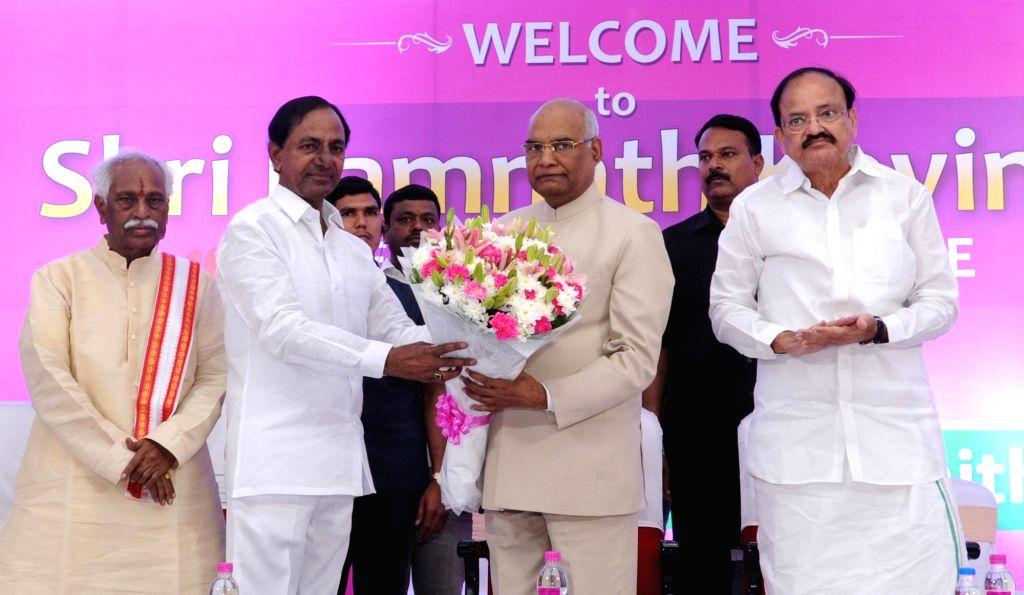Telangana Chief Minister and TRS President K Chandrasekhar Rao greets NDA's presidential candidate Ram Nath Kovind during a meeting of the leaders of Telangana Rashtra Samithi (TRS) in ... - M Venkaiah Naidu, Bandaru Dattatreya, K Chandrasekhar Rao and Nath Kovind