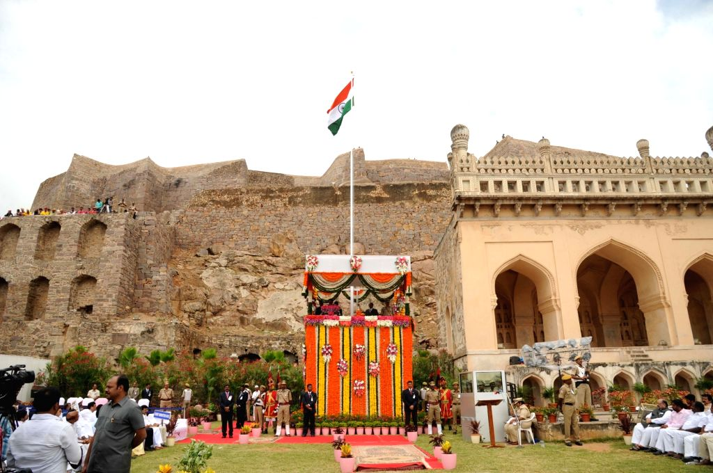 """Telangana Chief Minister K Chandrasekhar Rao addresses on the occasion of 70th """"Independence Day"""" celebration at Golconda Fort in Hyderabad, on Aug 15, 2016. - K Chandrasekhar Rao"""
