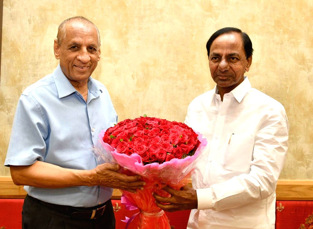 Telangana Chief Minister K Chandrasekhar Rao meets State Governor ESL Narasimhan on the occasion of Telangana State Formation Day, in Hyderabad, on June 2, 2019. - K Chandrasekhar Rao