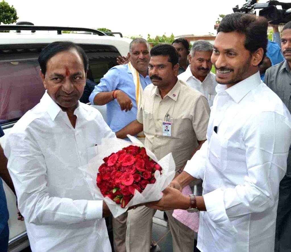 Telangana Chief Minister K Chandrasekhar Rao meets Andhra Pradesh Chief Minister Y.S. Jagan Mohan Reddy in Vijayawada, on June 17, 2019. - K Chandrasekhar Rao