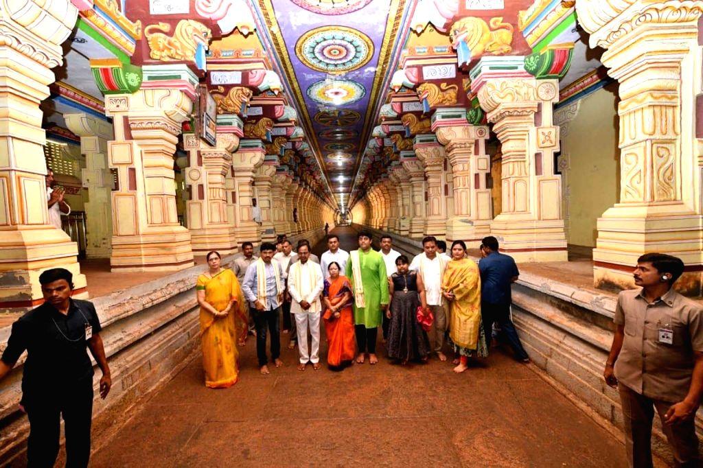 Telangana Chief Minister K. Chandrashekar Rao with his family members during his visit to the Arulmigu Ramanathaswamy Temple in Rameswaram, Tamil Nadu on May 10, 2019. - K. Chandrashekar Rao