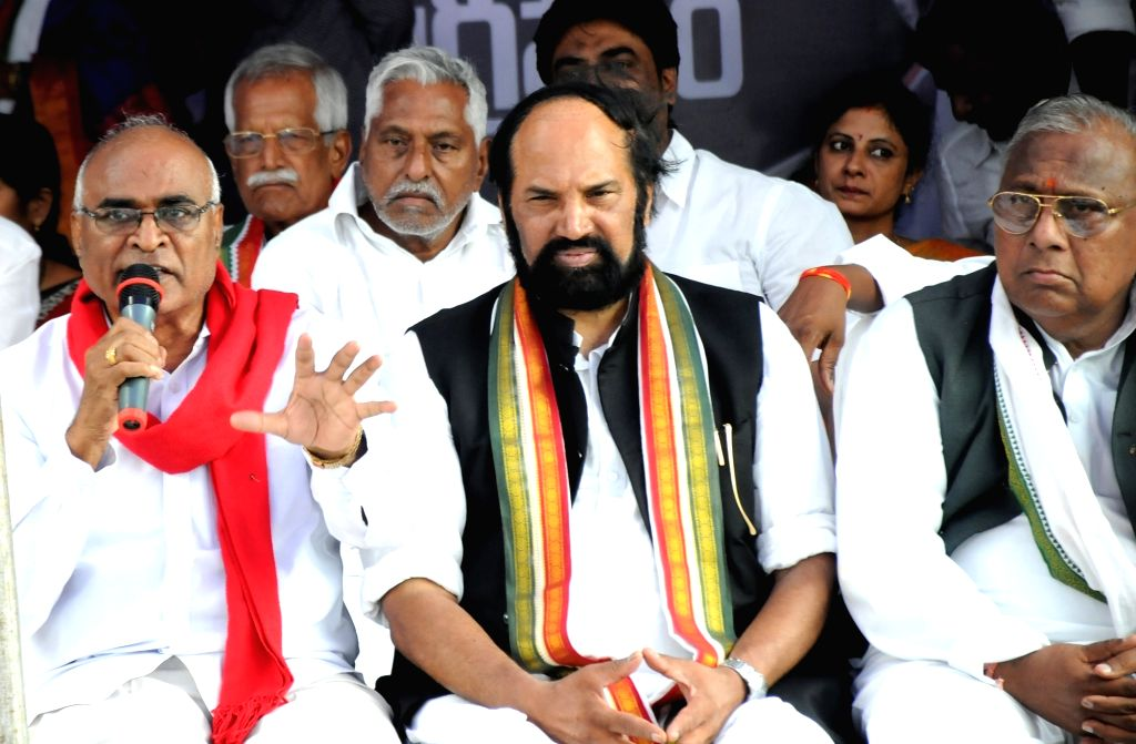Telangana Congress leaders N. Uttam Kumar Reddy and V. Hanumantha Rao during a 36-hour hunger strike launched by them to protest against the twelve party MLAs who merged with the ruling ... - V. Hanumantha Rao