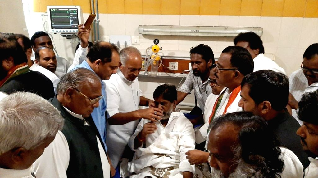 """Telangana Congress Legislature Party (CLP) leader Mallu Bhatti Vikramarka, who was on indefinite fast since June 8 over """"undemocratic"""" merger of 12 Congress MLAs with the ruling ... - Azharuddin"""
