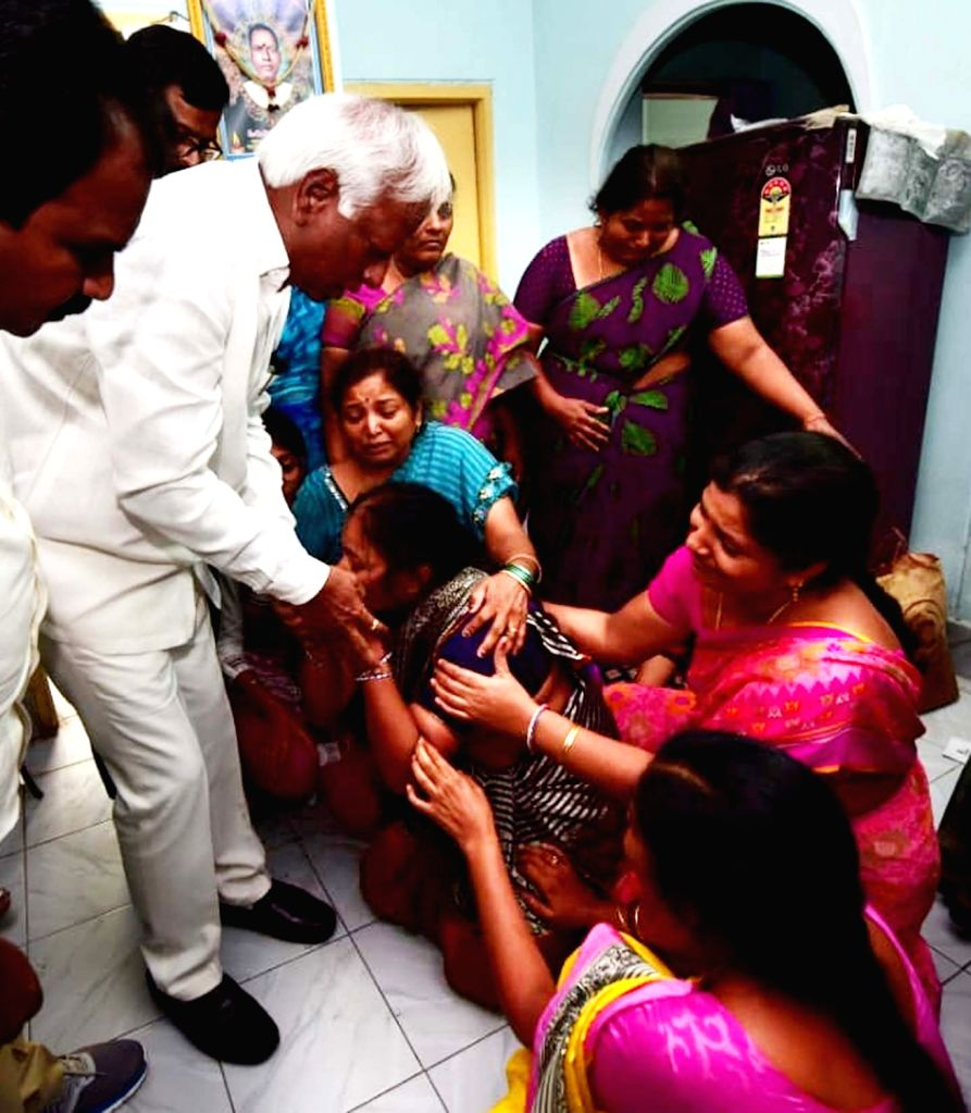 Telangana Deputy Chief Minister and Cabinet Minister Kadiam Srihari consoles the family members of 26-year-old Indian student from Telangana, Sharath Koppuafter he was shot dead inside a ... - Kadiam Srihari
