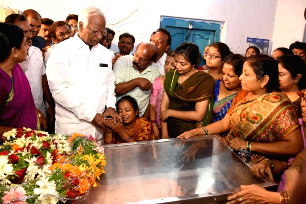 Telangana Deputy Chief Minister Kadiam Srihari lays wreath on Sharath Koppu, student who was shot dead by a suspected robber in the US, in Telangana's Warangal on July 12, 2018. - Kadiam Srihari